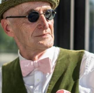 Моден фанатик на 60 години