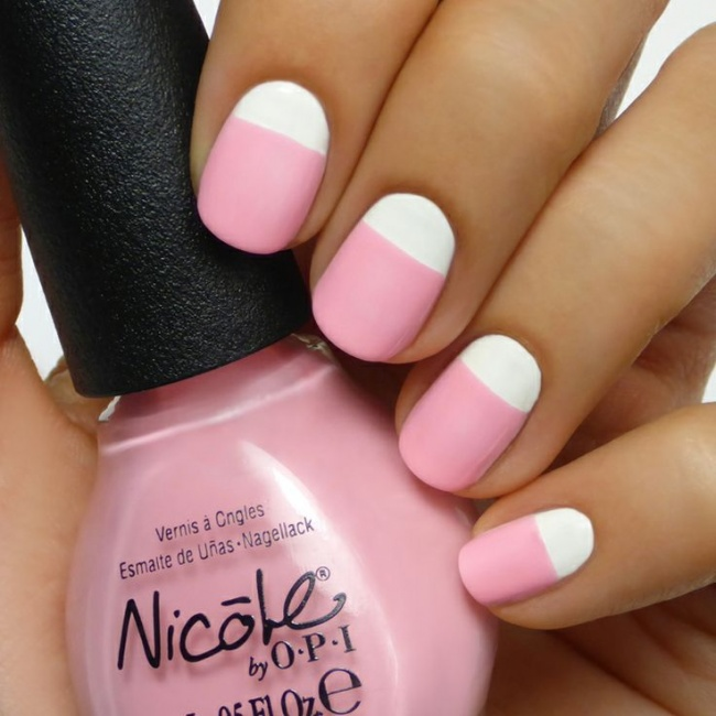 Бледо розово и бело