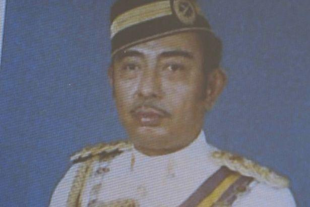 Таткото на Кит, Идрис Искандар
